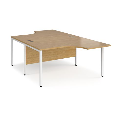 Maestro 25 back to back ergonomic desks 1400mm deep - white bench leg frame and oak top