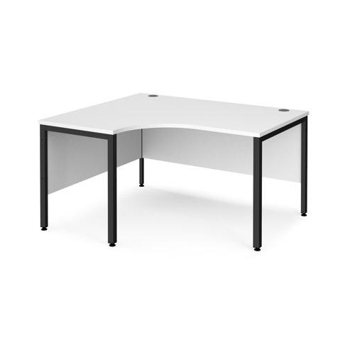 Maestro 25 left hand ergonomic desk 1400mm wide - black bench leg frame and white top