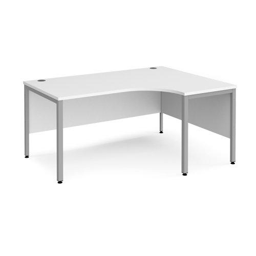 Maestro 25 bench right hand ergonomic desk