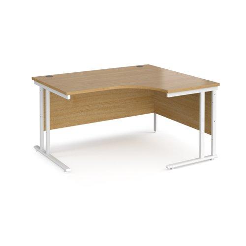 Maestro 25 right hand ergonomic desk 1400mm wide - white cantilever leg frame and oak top