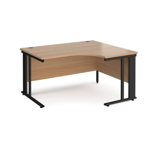 Maestro 25 right hand ergonomic desk 1400mm wide - black cable managed leg frame and beech top