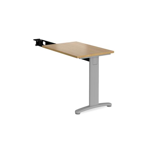 TR10 single return desk 800mm x 600mm - silver frame and oak top