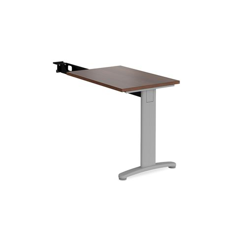 TR10 single return desk 800mm x 600mm - silver frame and walnut top