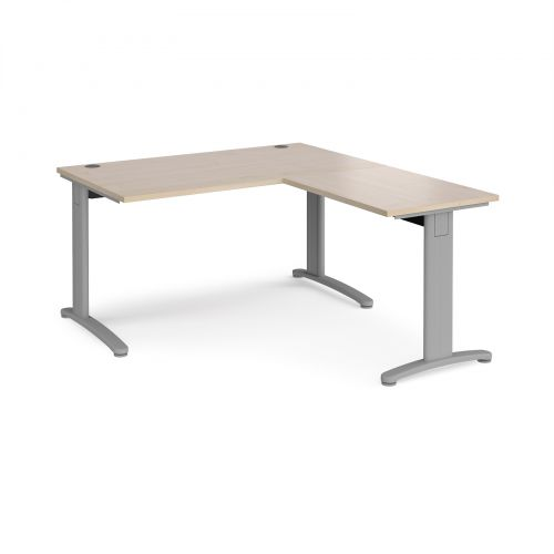 TR10 desk 1400mm x 800mm with 800mm return desk - silver frame and maple top