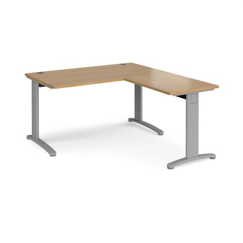 TR10 desk 1400mm x 800mm with 800mm return desk - silver frame and oak top