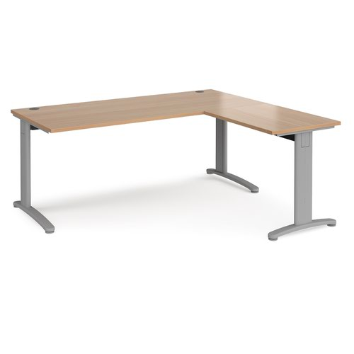 TR10 desk 1800mm x 800mm with 800mm return desk - silver frame and beech top