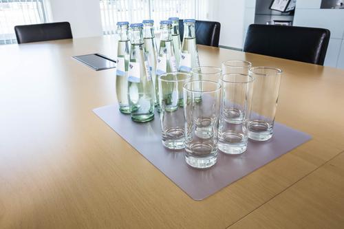 Durable DURAGLAS® Desk Mat 530 x 400mm Transparent Pack of 5