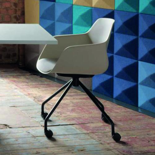 FourMe meeting chair on 4 star spider base on castors or glides. Swivel chair with freefloat mechanism. Upholstered in Camira Fabric