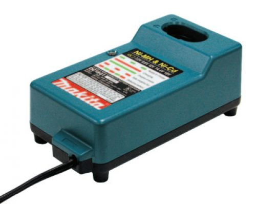 MAKITA UNIVERSAL VOLTAGE CHARGER